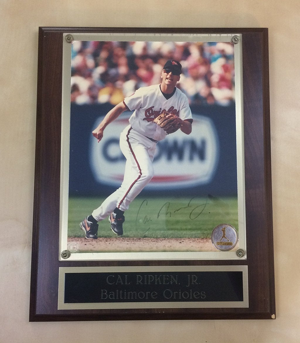 Cal Ripken Jr Autographed Photo Plaque Vintage Sports Memorabilia