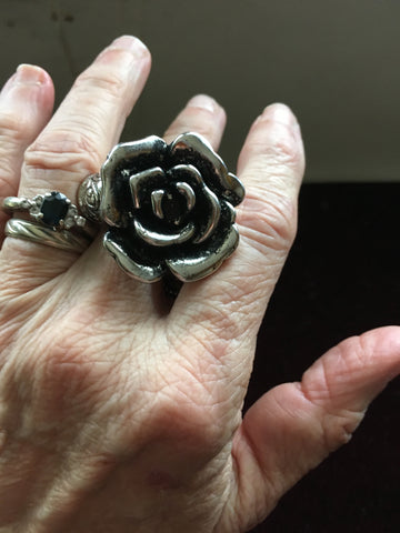 Silver Rose Ring Thing