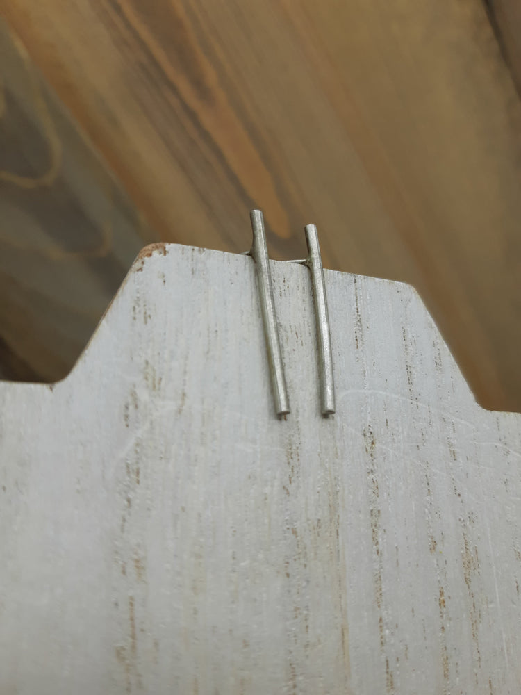 Down the Line Smooth Bar Stud Silver Earrings