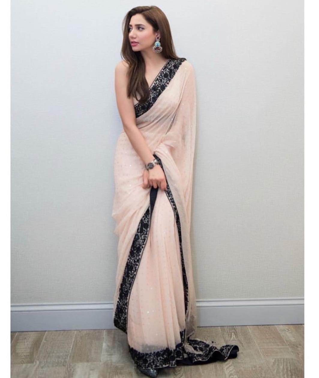 Mahira Khan Peach Saree