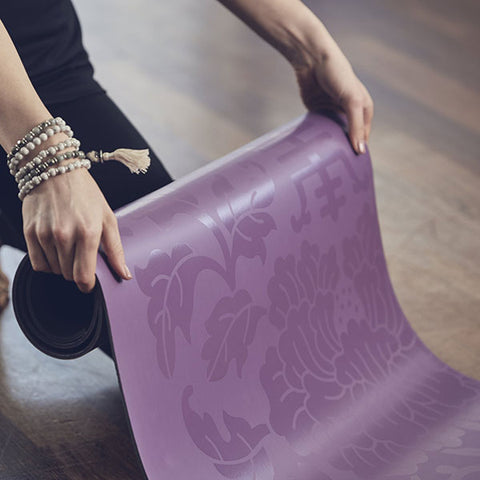 Gaiam Performance Dry-Grip Yoga Mat