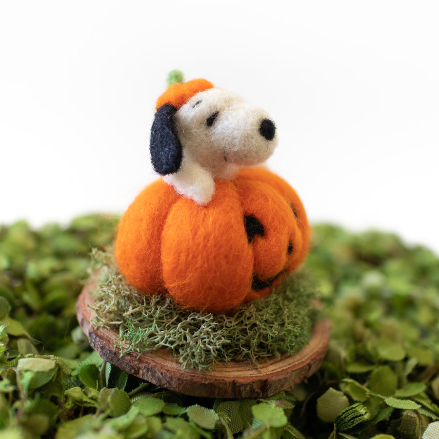 Snoopy Pumpkin on Stand