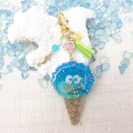 Soot Sprite Ice Cream Beach Vibe [GLOW IN DARK] Liquid Shaker Charm Keychain