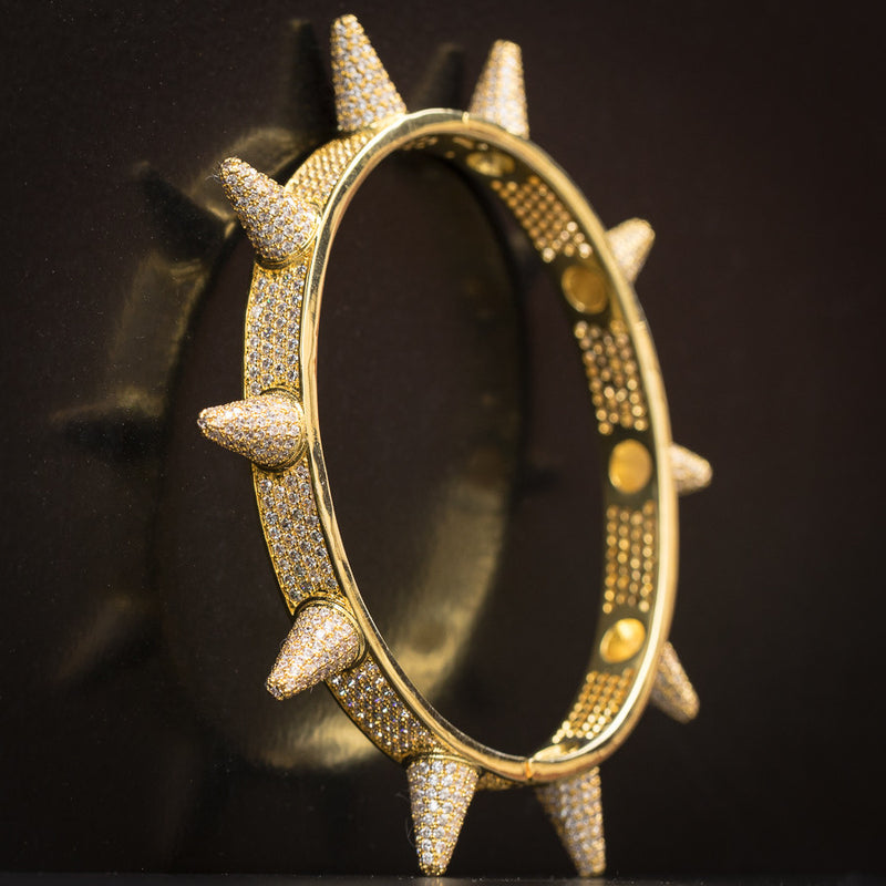 SPIKED BANGLE IN YELLOW GOLD