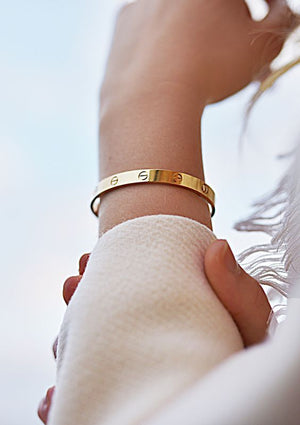 LᎾVE BANGLE YELLOW GOLD PLATED