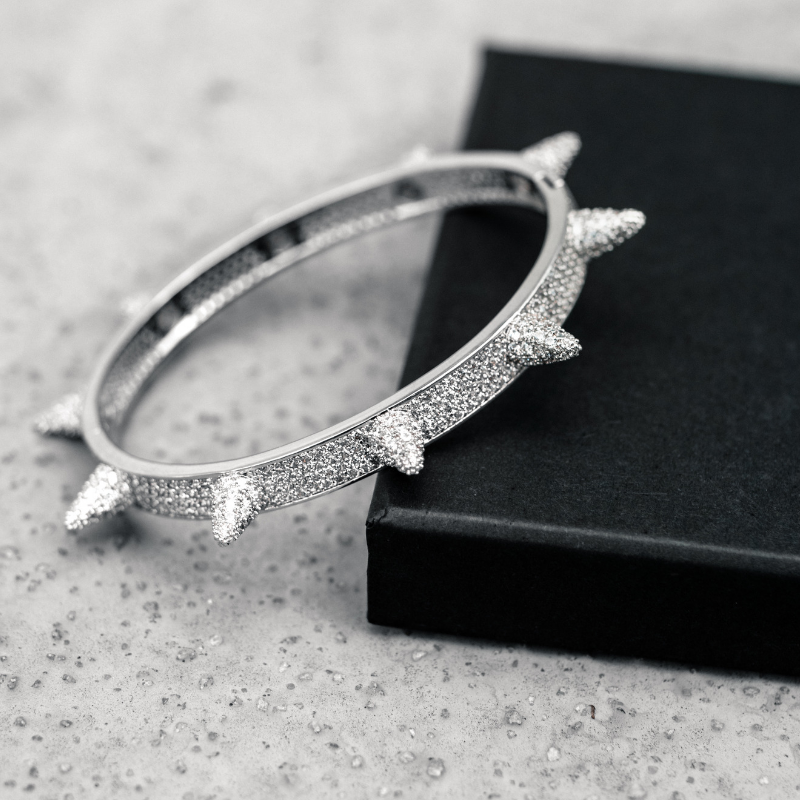 SPIKED BANGLE IN WHITE GOLD