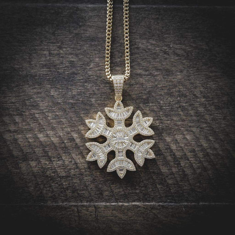 BAGUETTE SNOWFLAKES PENDANT YELLOW GOLD