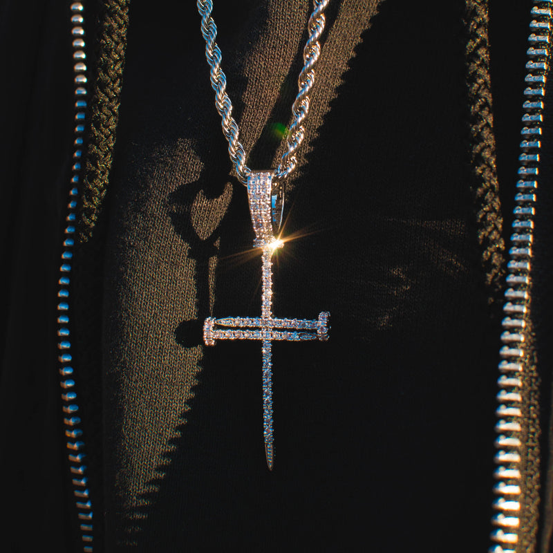 DIAMOND NAIL CROSS PENDANT IN WHITE GOLD
