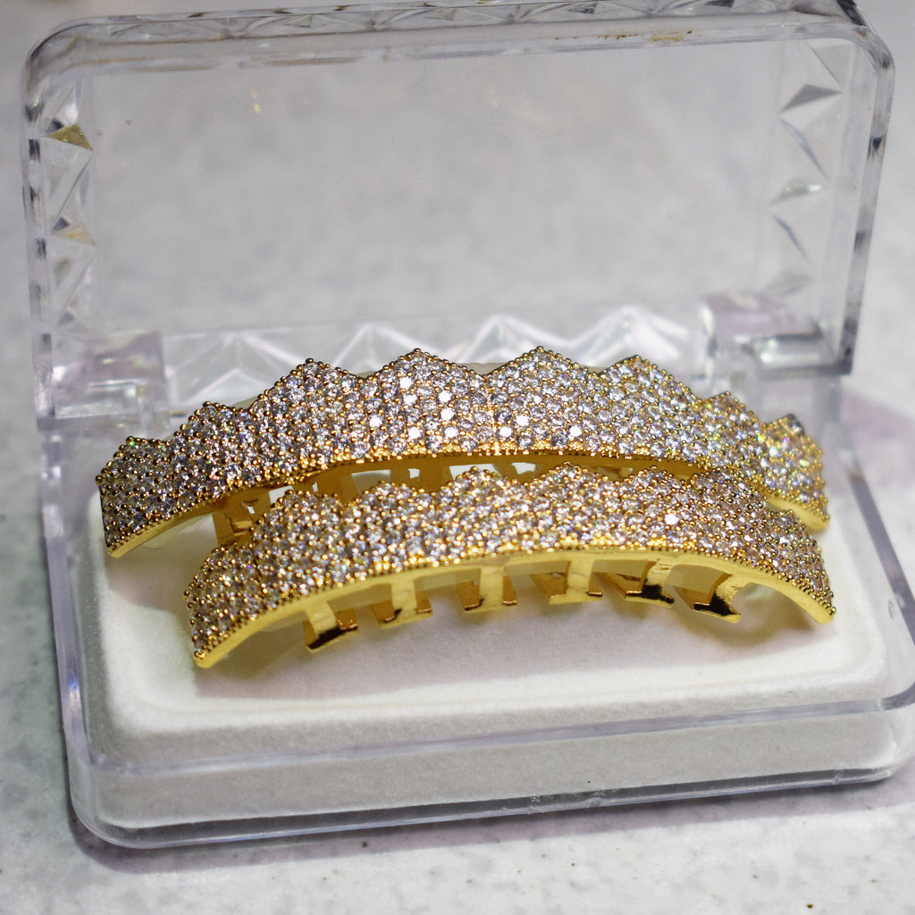 YELLOW GOLD PLATED DIAMOND SIMULATED TEETH GRILLZ