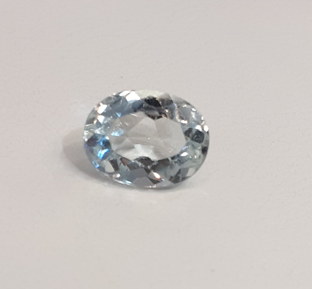 Natural aquamarine gemstone oval faceted 1.55 carats - Redstargems