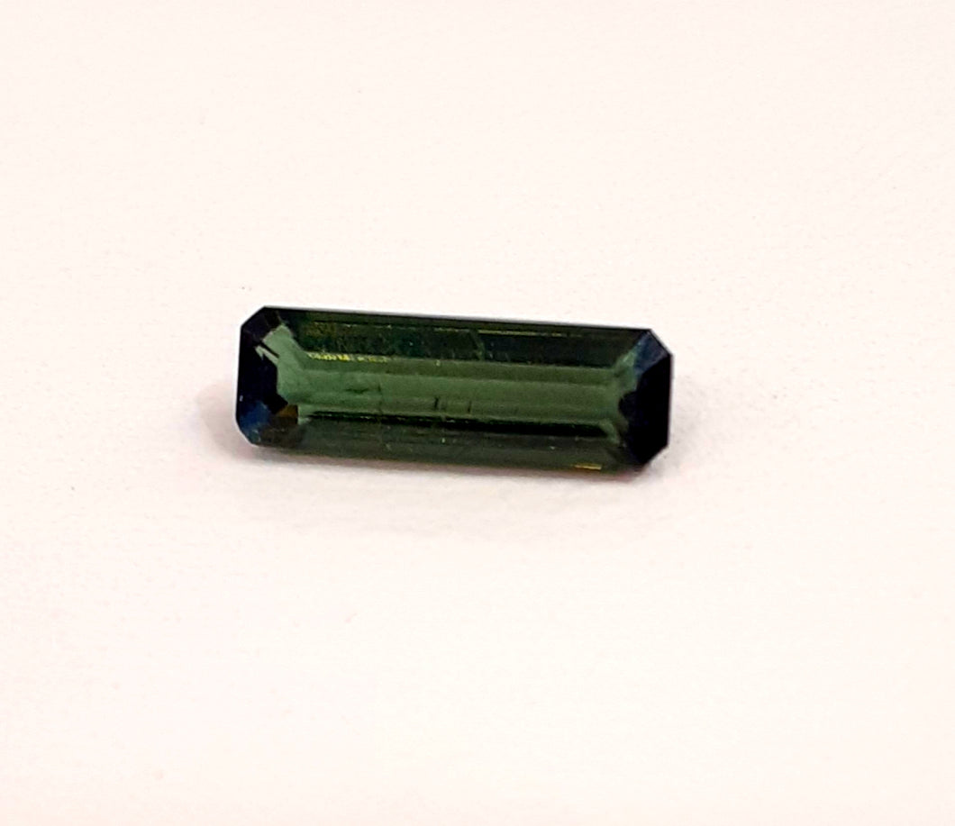 Natural green tourmaline gemstone stick 1.30 carats - Redstargems