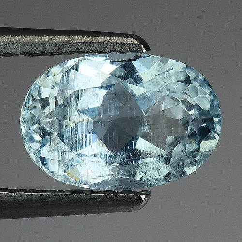 Aquamarine gemstone oval faceted 1.70 carats 8 x 7 mm - Redstargems