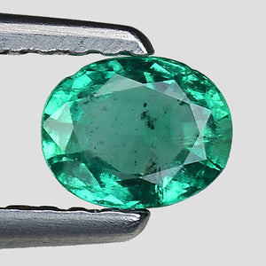 Bright green emerald gemstone 0.30 carats oval - Redstargems
