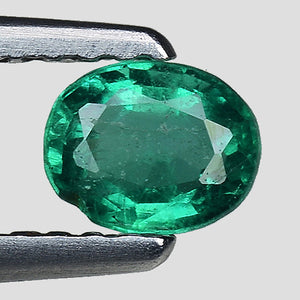 Natural emerald gemstone loose 0.30 carats oval faceted - Redstargems