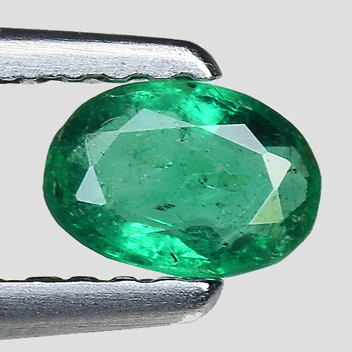 Emerald gemstone oval shape 0.25 carats stunning luster - Redstargems