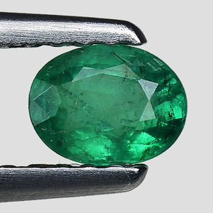 Emerald gemstone oval shape best luster 0.35 carats - Redstargems