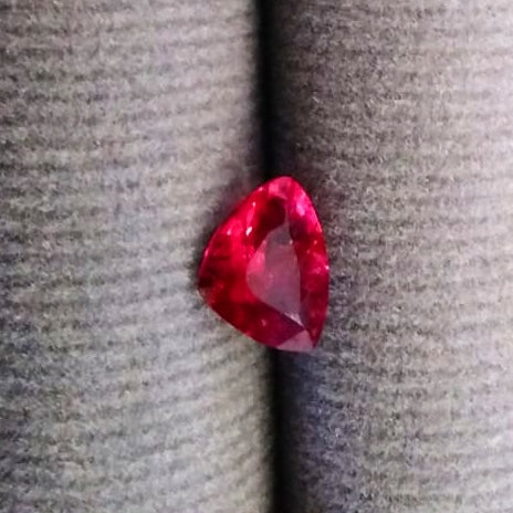 Natural Spinel From Burma Unheated 0.80 Carats - Redstargems