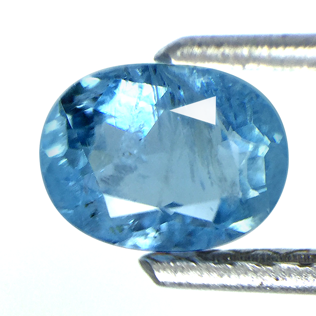 Aquamarine gemstone oval shape 0.80 carats with unique inclusions - Redstargems