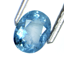 Load image into Gallery viewer, Aquamarine gemstone oval shape 0.80 carats with unique inclusions - Redstargems
