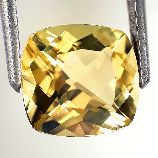 Yellow beryl loose gemstone 2.10 carats 8mm size for ring