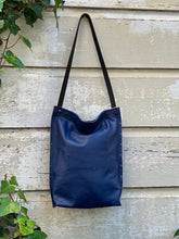 Load image into Gallery viewer, Blue Urban Tote