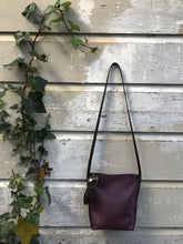 Load image into Gallery viewer, Plum Urban Crossbody, Medium