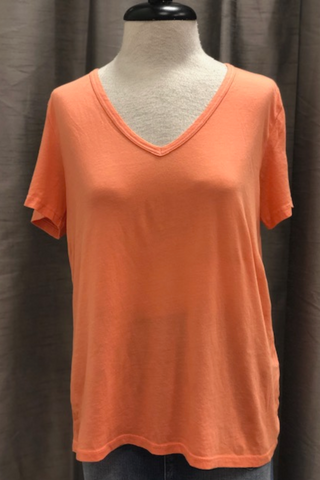 Relaxed V-Neck Tee in Melon