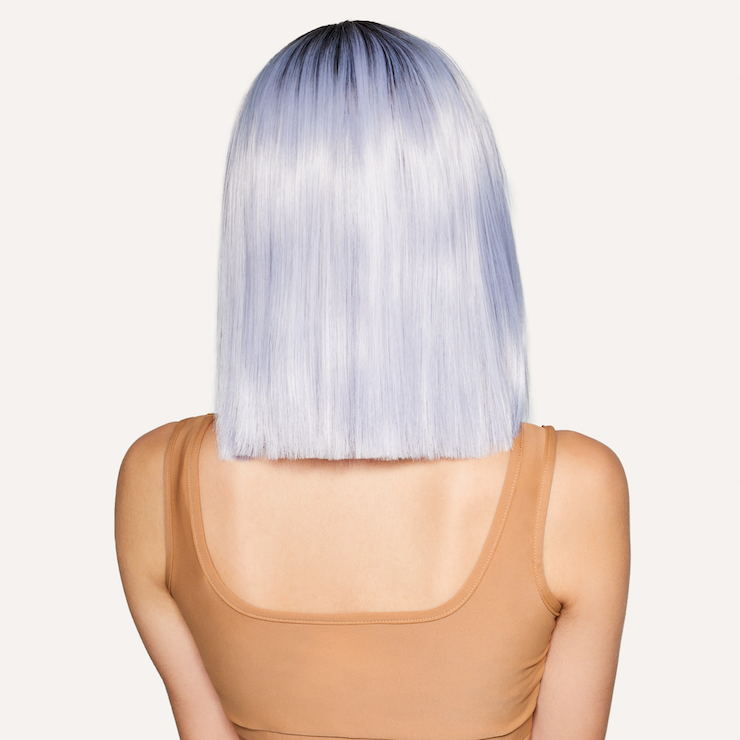 billie wig on model back angle