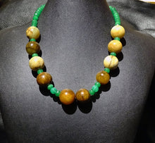 Load image into Gallery viewer, Jade Necklace, Vintage Nephrite
