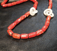 Load image into Gallery viewer, Jade Coral Necklace Vintage