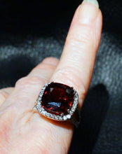Load image into Gallery viewer, red zircon ring