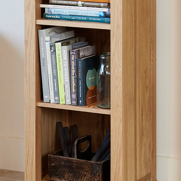 Whitewell | Bookcase (Narrow)