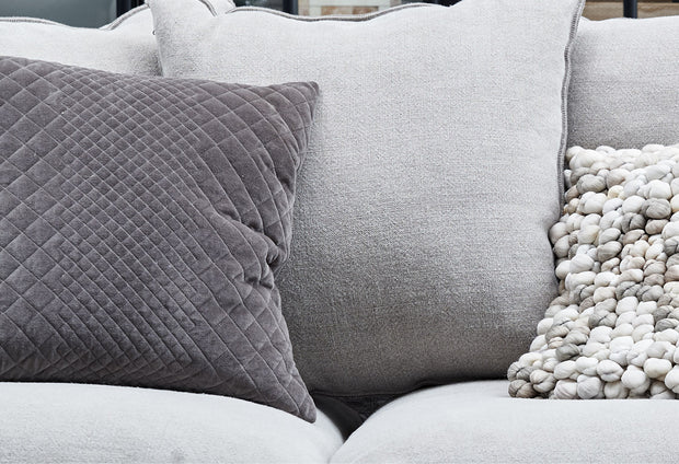 Velua | Cushion (Pair)
