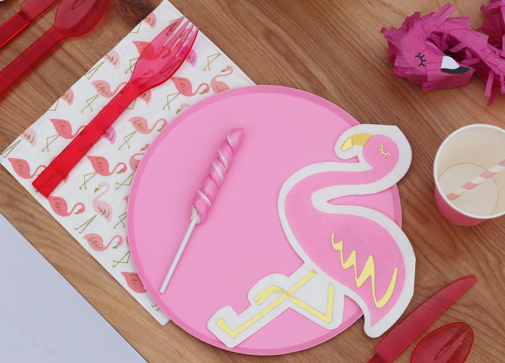 flamingo shaped napkins