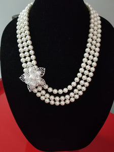 Wedding pearls necklace