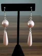 Load image into Gallery viewer, Pink pearls earrings