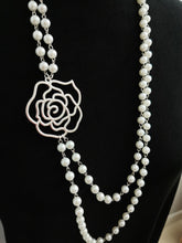 Load image into Gallery viewer, Silver Camellia necklace