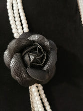 Load image into Gallery viewer, Black Camellia Pearls Necklace