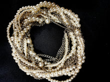 Load image into Gallery viewer, Wedding chanky Pearls Necklace