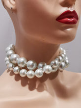 Load image into Gallery viewer, Choker necklace Pearls