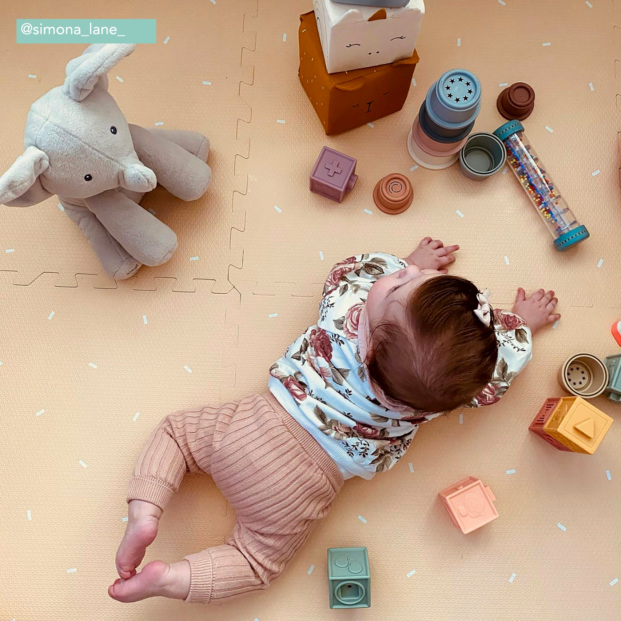 Confetti Playmat Set in Sand
