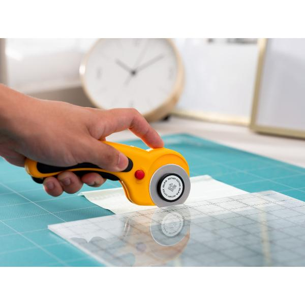 Olfa Deluxe Ergonomic Rotary Cutter 45MM