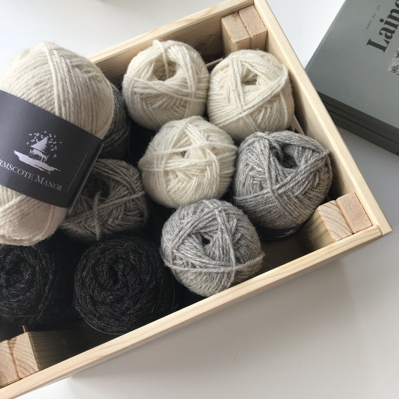 Armscote Manor PORTLAND & BLACK WELSH MOUNTAIN WOOL 4ply