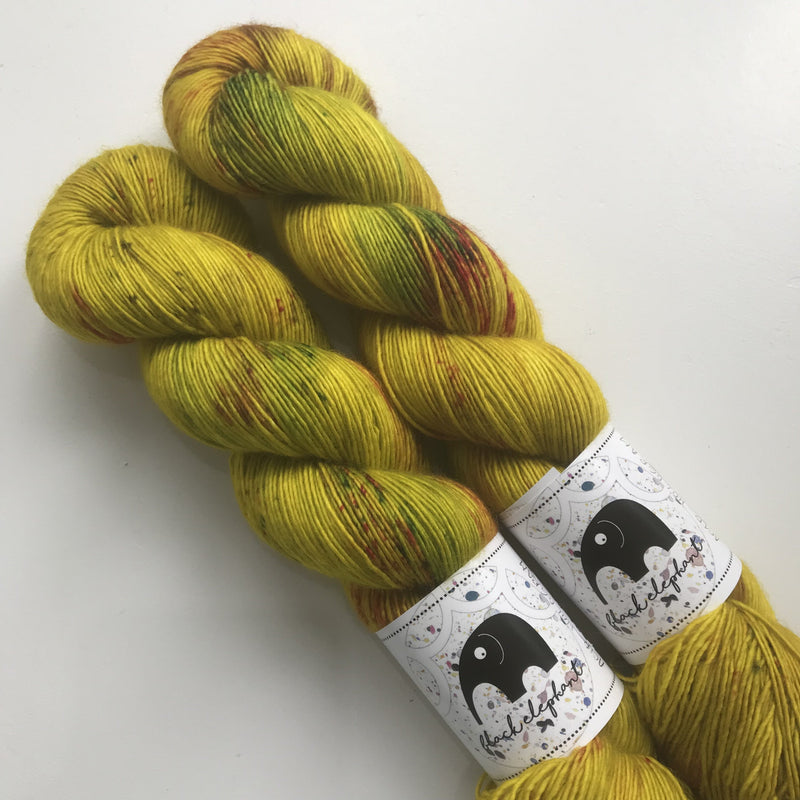 Black Elephant MERINO SINGLES - Acid Hologram - Beautiful Knitters