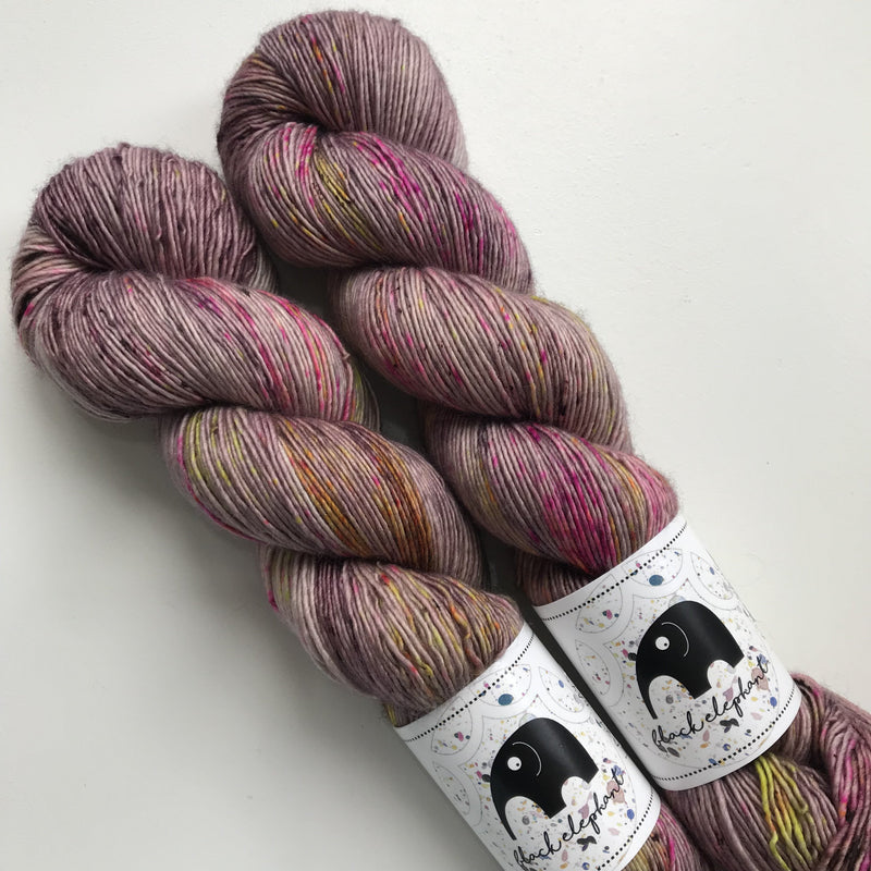 Black Elephant MERINO SINGLES - Lazy Days - Beautiful Knitters