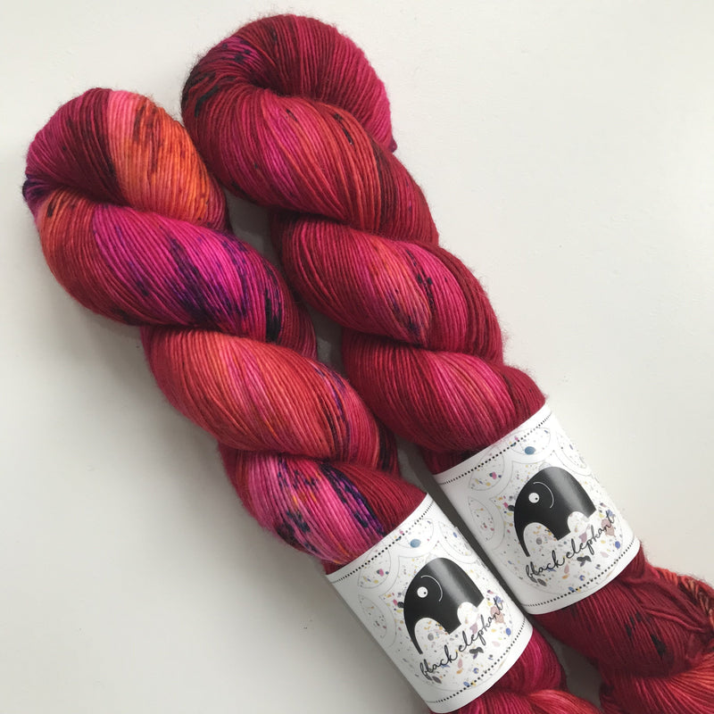 Black Elephant MERINO SINGLES - Moulin Rouge - Beautiful Knitters