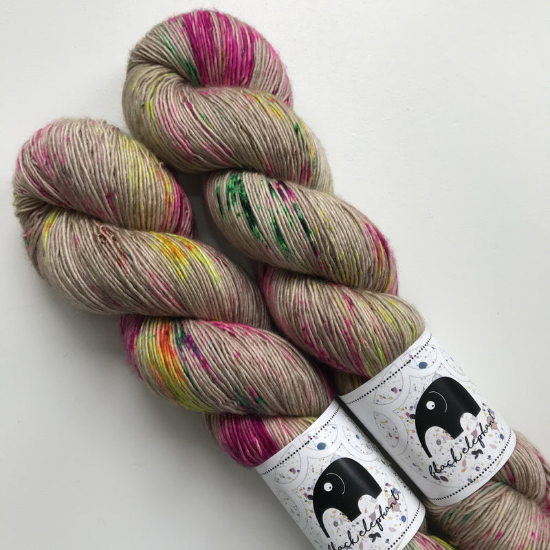 Black Elephant MERINO SINGLES - Under Pressure - Beautiful Knitters