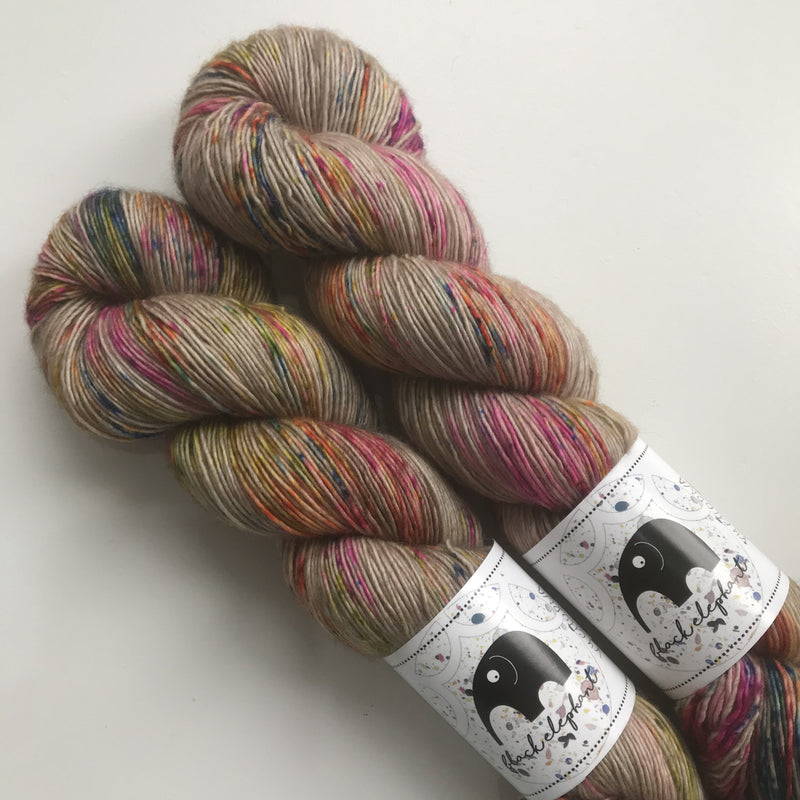 Black Elephant MERINO SINGLES - Vychodna - Beautiful Knitters