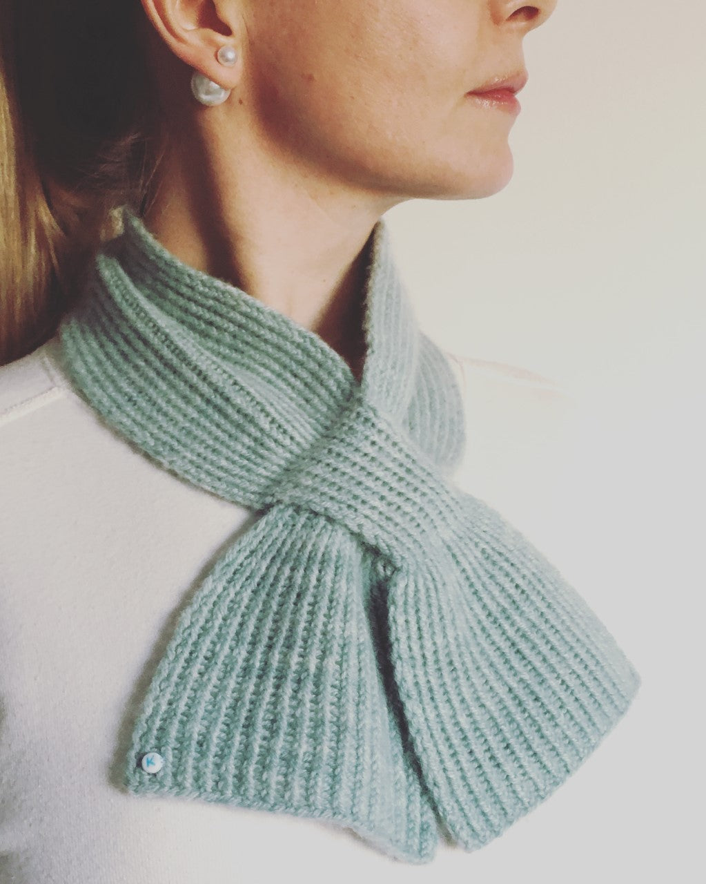 Keyhole Scarf - [variant_title] - Beautiful Knitters