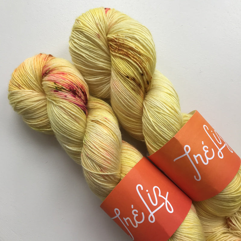 TréLiz ZEUS - Dishonest Ochre - Beautiful Knitters